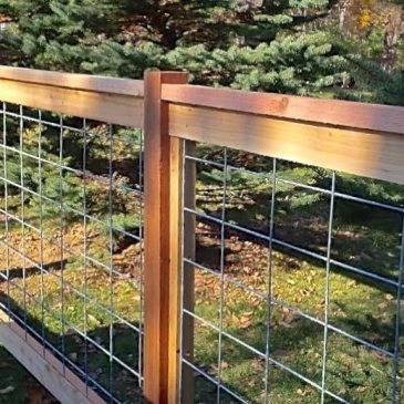 How to build a hog wire fence?